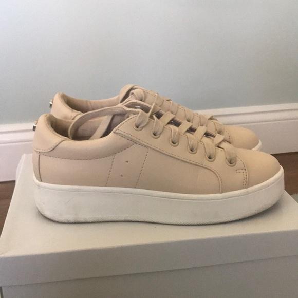 Steven Madden Tan Bertie Sneakers